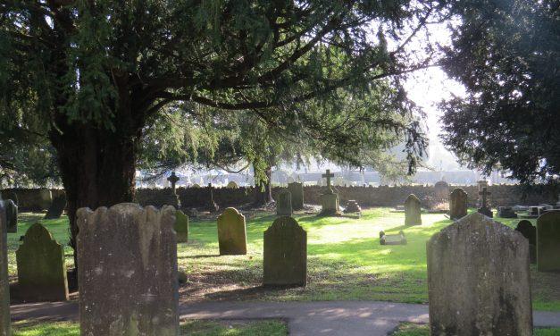 Edenbridge Parish Church – Graveyard Trail